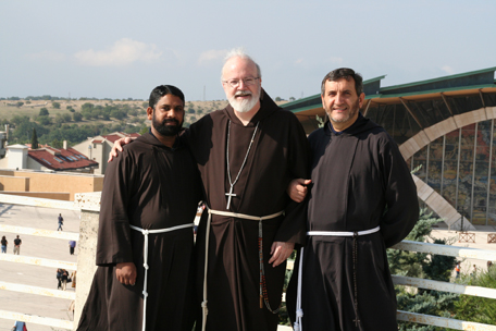brother-capuchins-up-on-the-roof.jpg