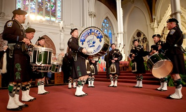 The Boston Police Gaelic Column of Pipes and Drums performs during the Nov. 23 Mass to mark the conclusion of the Archdiocese of Boston's Bicentennial commemorations.<br /> Pilot photo/ Gregory L. Tracy