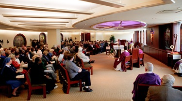 Mass and imposition of ashes, Feb. 25, 2009, Ashe Wednesday, Archdiocese of Boston Pastoral Center.<br /> Pilot photo/ Gregory L. Tracy