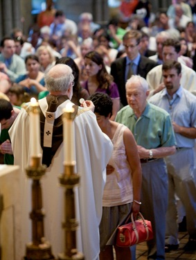 Cardinal Seán P. O'Malley celebrates Mass at St. Clement Shrine in Boston's Back Bay to mark the start of perpetual adoration on Aug. 15, 2009, the Feast of the Assumption.  Pilot photo by Gregory L. Tracy