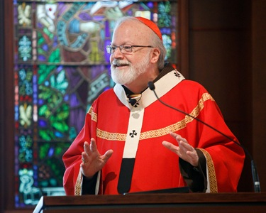 Greek Orthodox Metropolitan Methodios joins Cardinal O'Malley for Mass on Feast of Sts. Peter and Paul at the archdiocese's Pastoral Center June 29, 2010. Pilot photo by Gregory L. Tracy