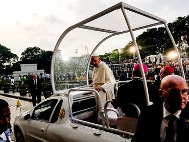 Pope Francis departs after addressing a gathering of young people at the Felix Varela in Havana. Pilot photo/Gregory L. Tracy