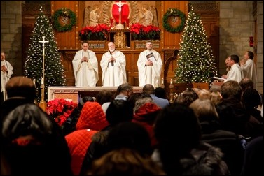 Cardinal O'Malley celebrates a New Year's Eve Mass at St. Clement Eucharistic Shrine in Boston's Back Bay, Dec. 31, 2016. Pilot photo/ Mark Labbe