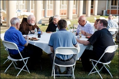 VianneyCookout2017-023
