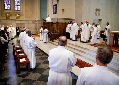 2018PermanentDeacons-GTracy-065