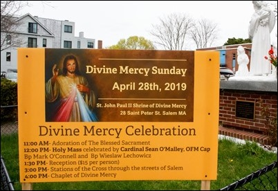 Mass at the St. John Paul II Shrine of Divine Mercy in Salem, April 29, 2019 to celebrate Divine Mercy Sunday. Mass was celebrated by Cardinal Seán P. O'Malley along with Bishop Mark O'Connell, and Bishop Wieslaw Lechowicz, an auxiliary bishop of the archdiocese of Tarnów, Poland. Pilot photo/ Jacqueline Tetrault