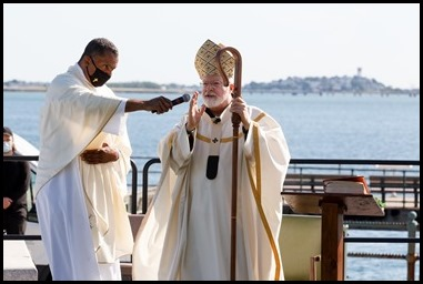 Cardinal Sean P. O'Malley celebrates a Mass for racial justice and healing at Castle Island in South Boston, June 13, 2020. Pilot photo/ Gregory L. Tracy