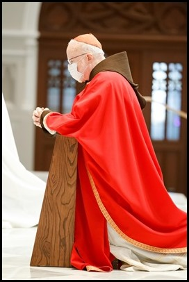 Cardinal Seán P. O'Malley presides at the Celebration of the Lord's Passion on Good Friday, April 2, 2021 at the Cathedral of the Holy Cross. Pilot photo/ Gregory L. Tracy